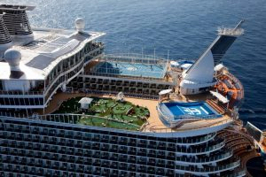 oasis_of_the_seas_royal_caribbean_largest_best_cruise_ships13